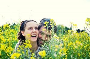 photo fiancés engagement - Bretagne - par Marie Baillet Photographe