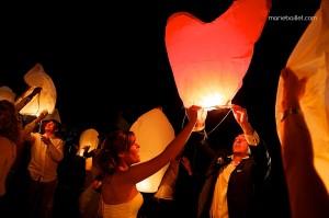 mariage champêtre: lanternes thaïlandaises au Jardin des Acanthes - Bretagne - par Marie Baillet Photographe