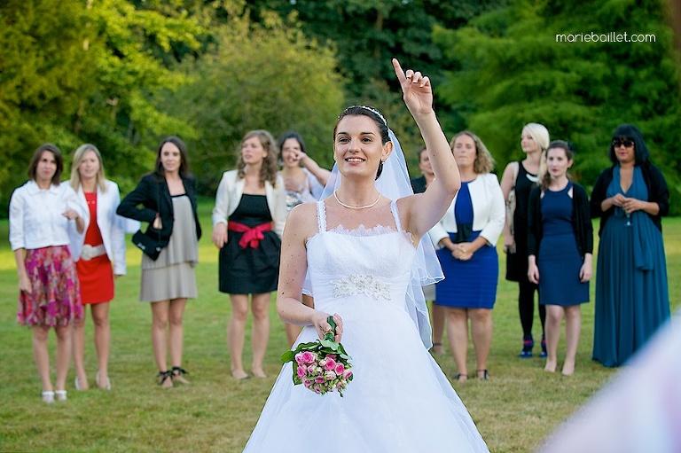 photo lancer de bouquet mariage 29 / Brest par Marie Baillet Photographe Finistère