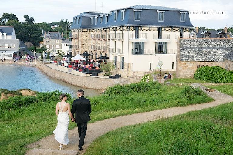 séance couple mariage au Castel Beau Site (22) par Marie Baillet photographe Bretagne