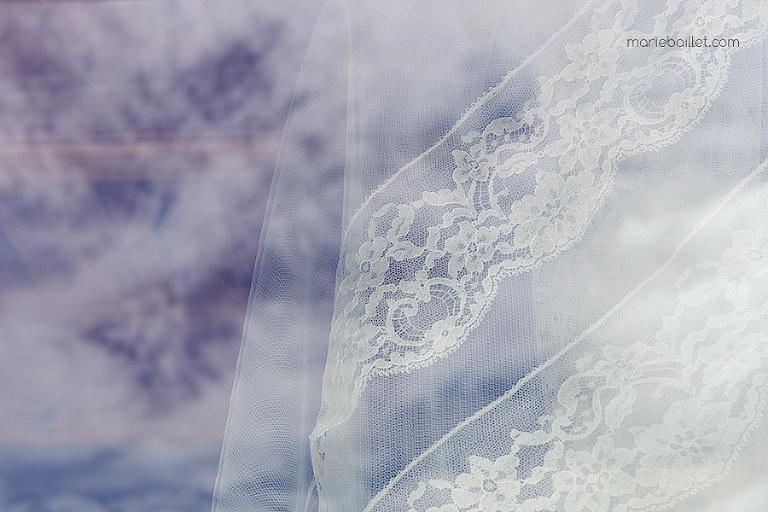 habillage mariée mariage à Saint-Philibert, Bretagne (56) par Marie Baillet photographe