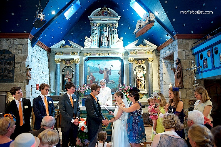 cérémonie de mariage chapelle de Saint-Philibert par Marie Baillet photographe Bretagne