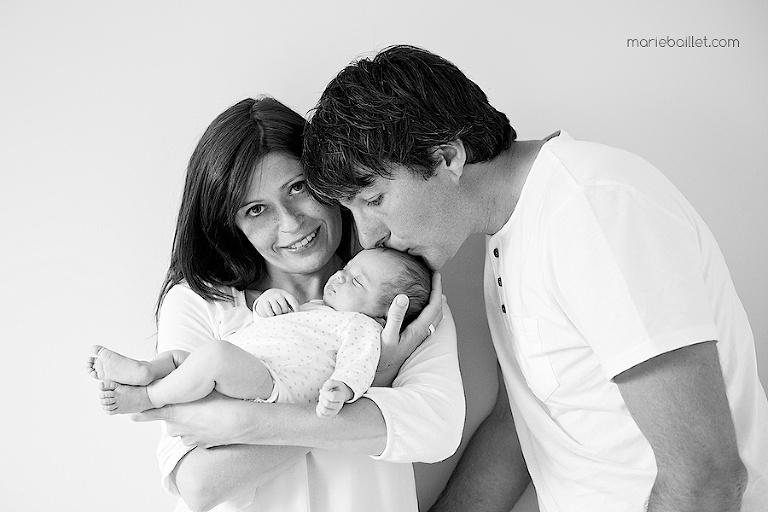 séance photo bébé à domicile pour réaliser un faire-part de naissance