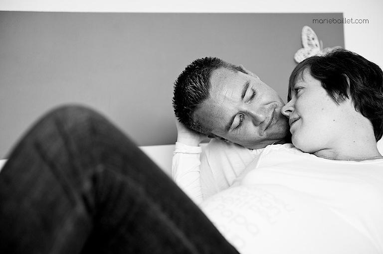 Photos de grossesse à domicile Finistère sud - photographe Morbihan