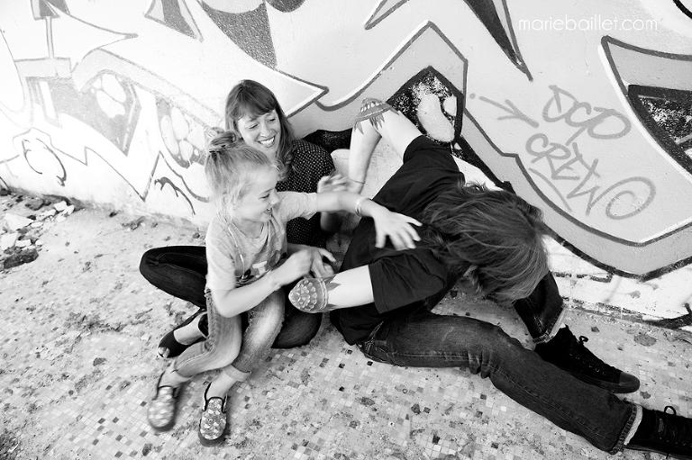 photo : séance famille Rock n' roll par Marie Baillet photographe Morbihan