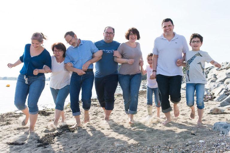 photographe Morbihan - séance photo famille à la plage