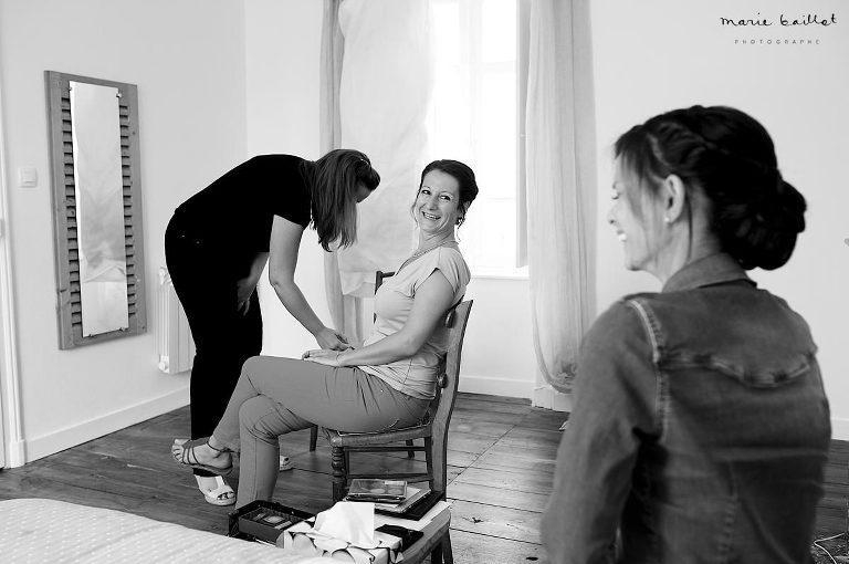 reportage photo jour j : préparatifs mariage par Marie Baillet photographe basée en Bretagne sud